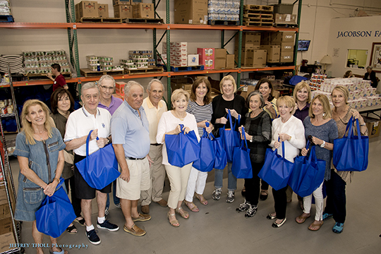 Addison Reserve Brightens Passover for Those in Need (April 6, 2016)
