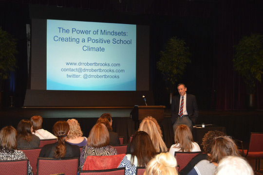 Jewish Education Ethics Institute Hosts Harvard Expert for Educators and Parents