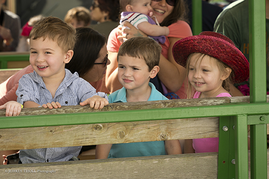 Families Flock to Bedner's Farm with PJ Library (February 16, 2015)