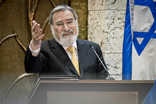 "Twelve Hundred Hear Rabbi Lord Jonathan Sacks on ""The Dignity of Our Differences"""