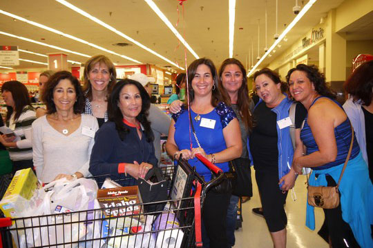 Women Keep Their Eyes on the Prize During Supermarket Sweep (May 4, 2015)
